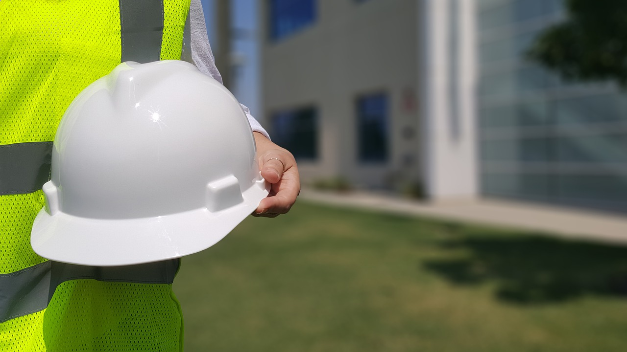 hard hat 4274431 1280 - 5 Common Construction Defects That May Make You Eligible For Compensation